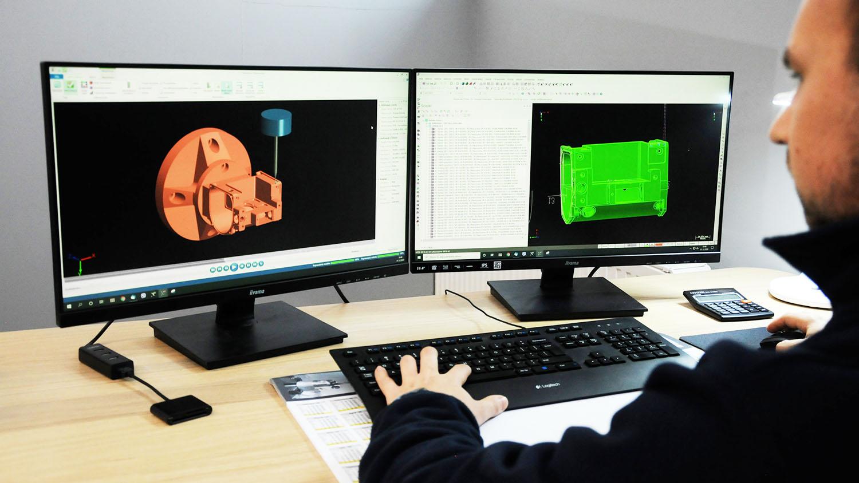 SIM Gdynia Korzystanie z narzędzi technologicznych , przy tworzeniu programów na obrabiarki CNC
